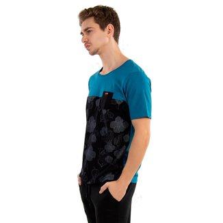 Camiseta Masculina com Bolso e Aplique No Stress Masculina