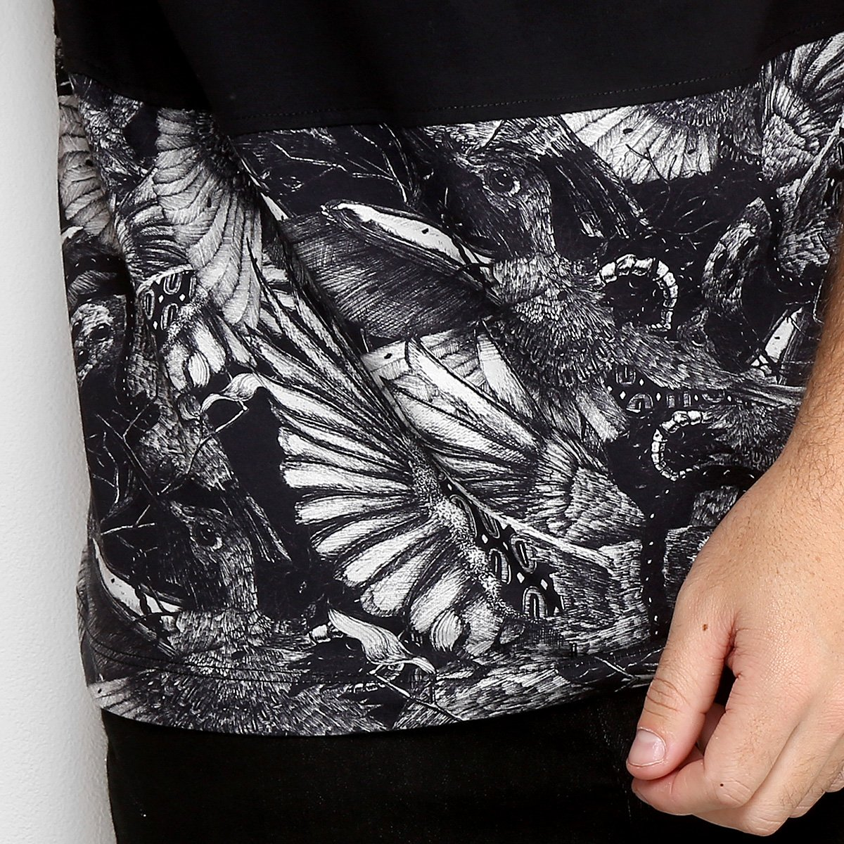 Camiseta MCD Especial Bird Bloom Masculina - Preto - Compre Agora ... 7ca7ec76c80