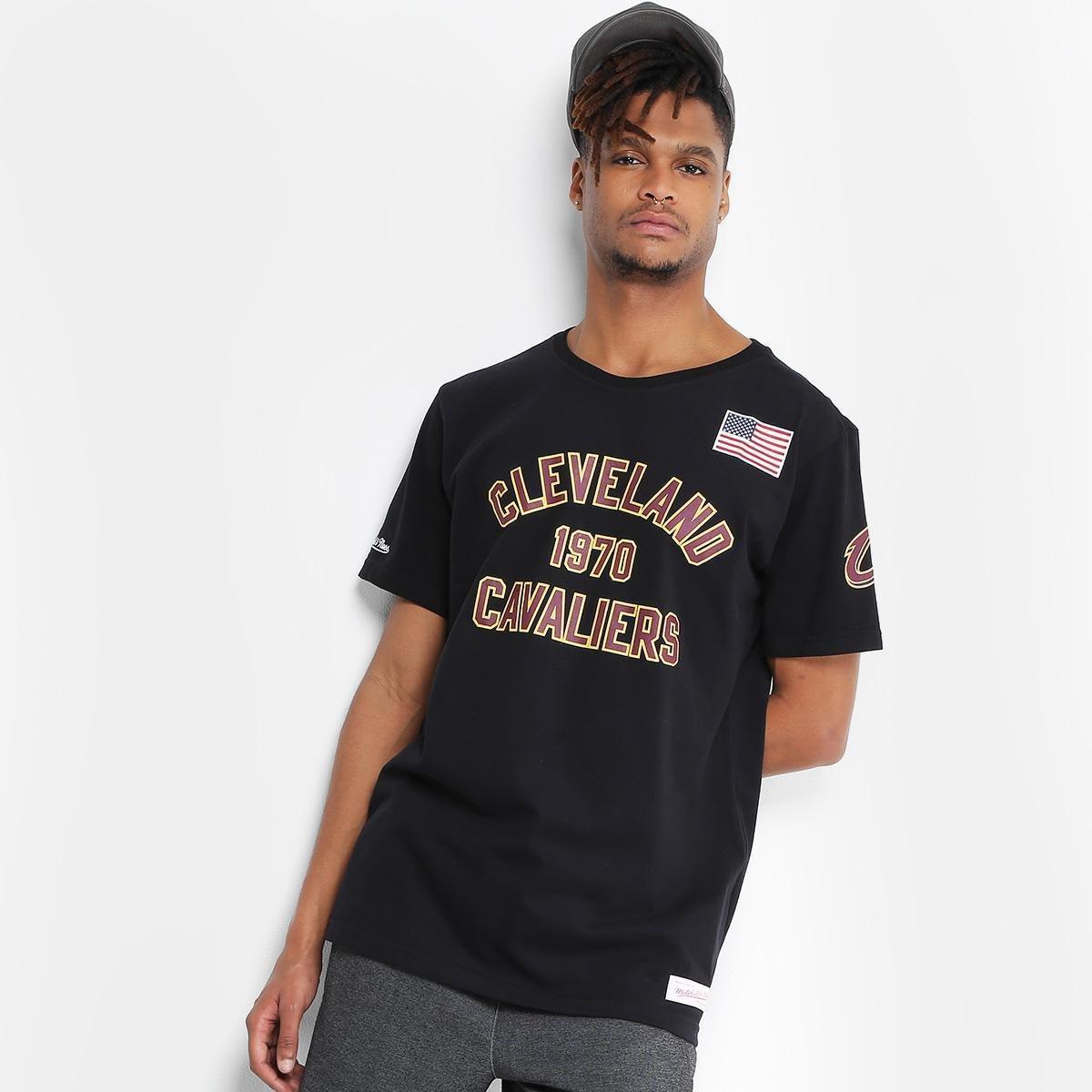 e71cc1a0bc22f Camiseta Mitchell   Ness NBA Cleveland Cavaliers Established Year Masculina  - Preto - Compre Agora