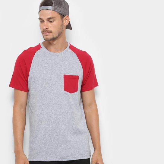 Camiseta Mood Bolso Masculina - Mescla+Vinho