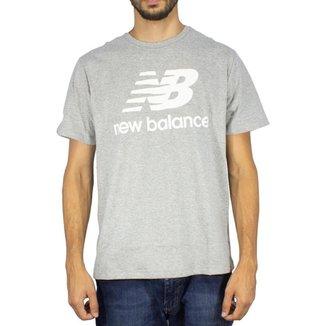 Camiseta New Balance Essentials Stacked Tee Masculino