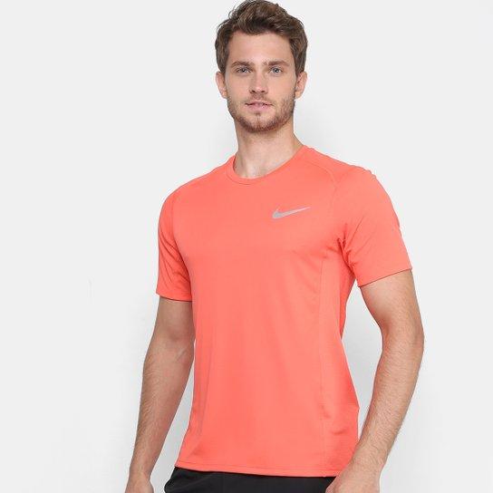 Camiseta Nike Dri-Fit Miler Masculina - Coral