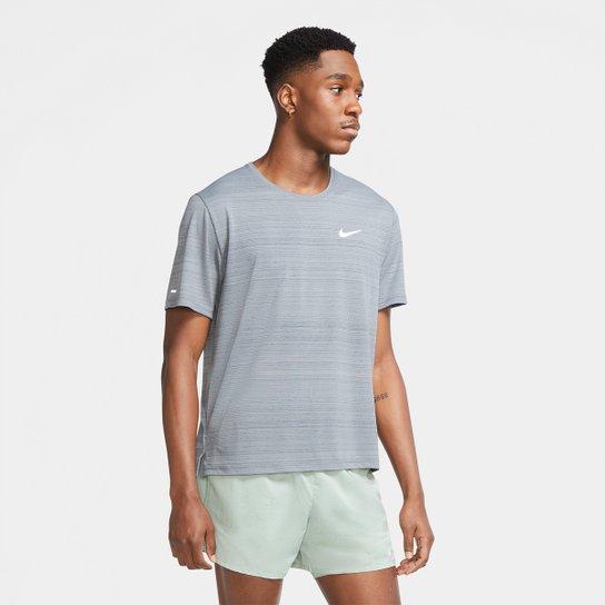 Camiseta Nike Dri-Fit Miler Rule Masculina - Cinza+Prata