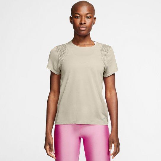 Camiseta Nike Dri-Fit Run Feminina - Bege