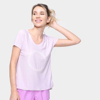 Camiseta Nike Icon Clash Mil Feminina
