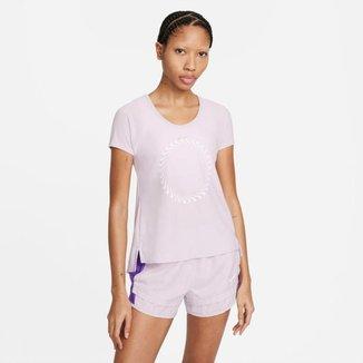 Camiseta Nike Icon Clash Miler Feminina