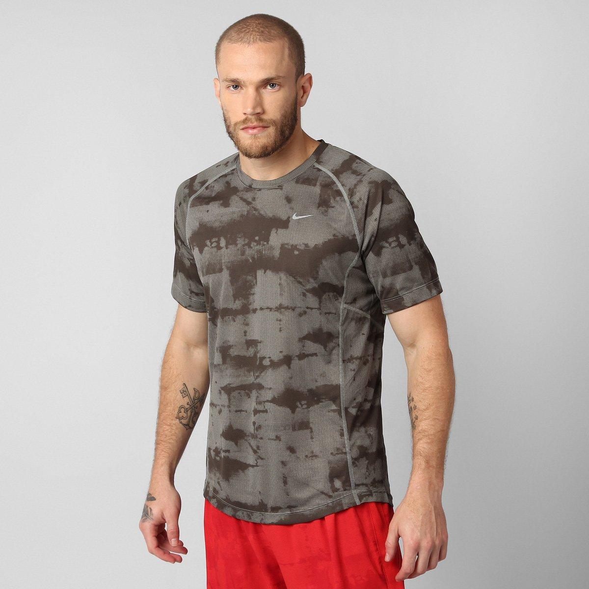 389dcdc330 Camiseta Nike Miler Graphic - Compre Agora