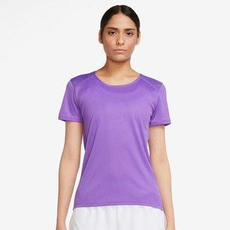 Camiseta Nike Run Icon Clash Feminina