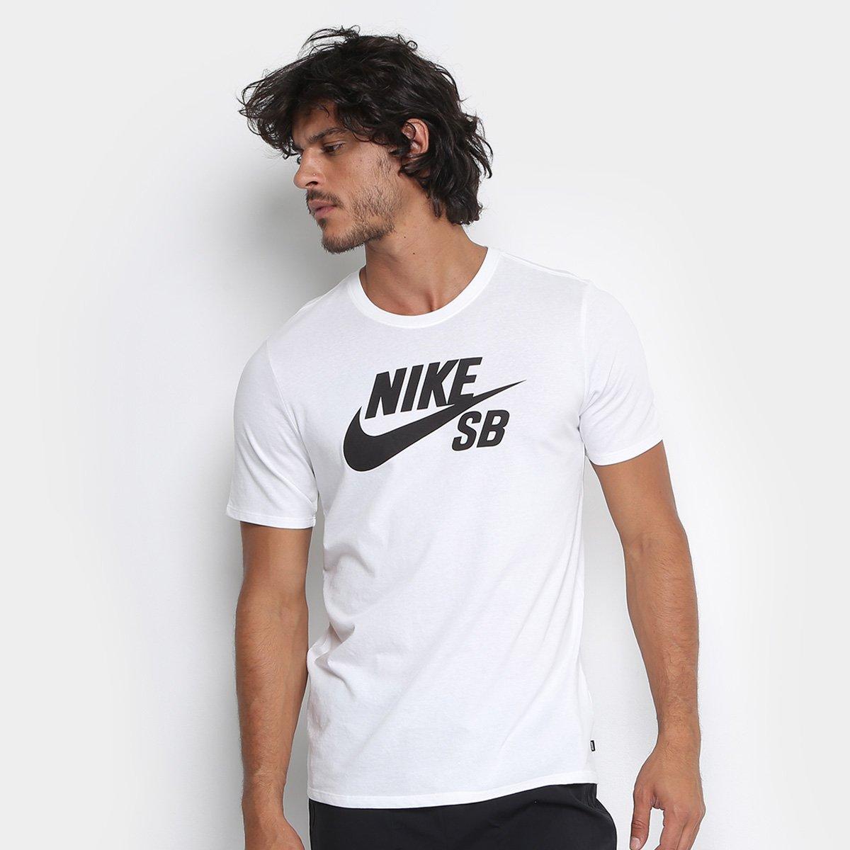 0e3cb04d3e55f Camiseta Nike Sb Logo Masculina - Branco e Preto - Compre Agora ...