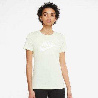 Camiseta Nike Sportswear Essential Feminina