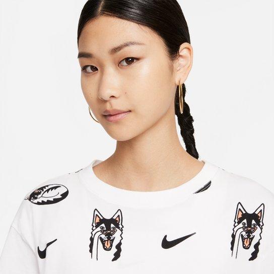 Camiseta Nike Sportwear Boyfriend Dog Aop Feminina - Branco