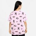 Camiseta Nike Sportwear Boyfriend Dog Aop Feminina
