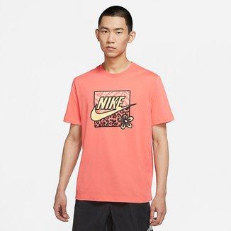 Camiseta Nike Sportwear High Summer Masculina