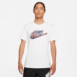 Camiseta Nike Sportwear Worldwide 3D Logo Masculina