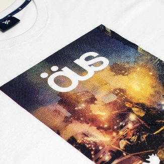 Camiseta Ous Invisivel Branca