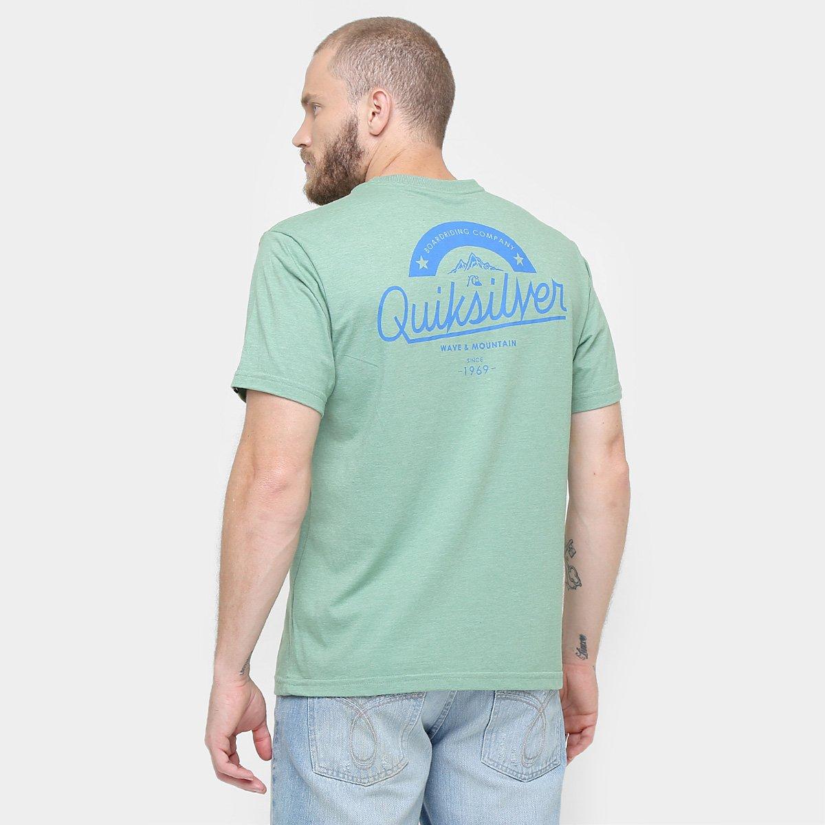 Camiseta Quiksilver Básica Boarding Company  Camiseta Quiksilver Básica  Boarding Company ... f141f631435b0