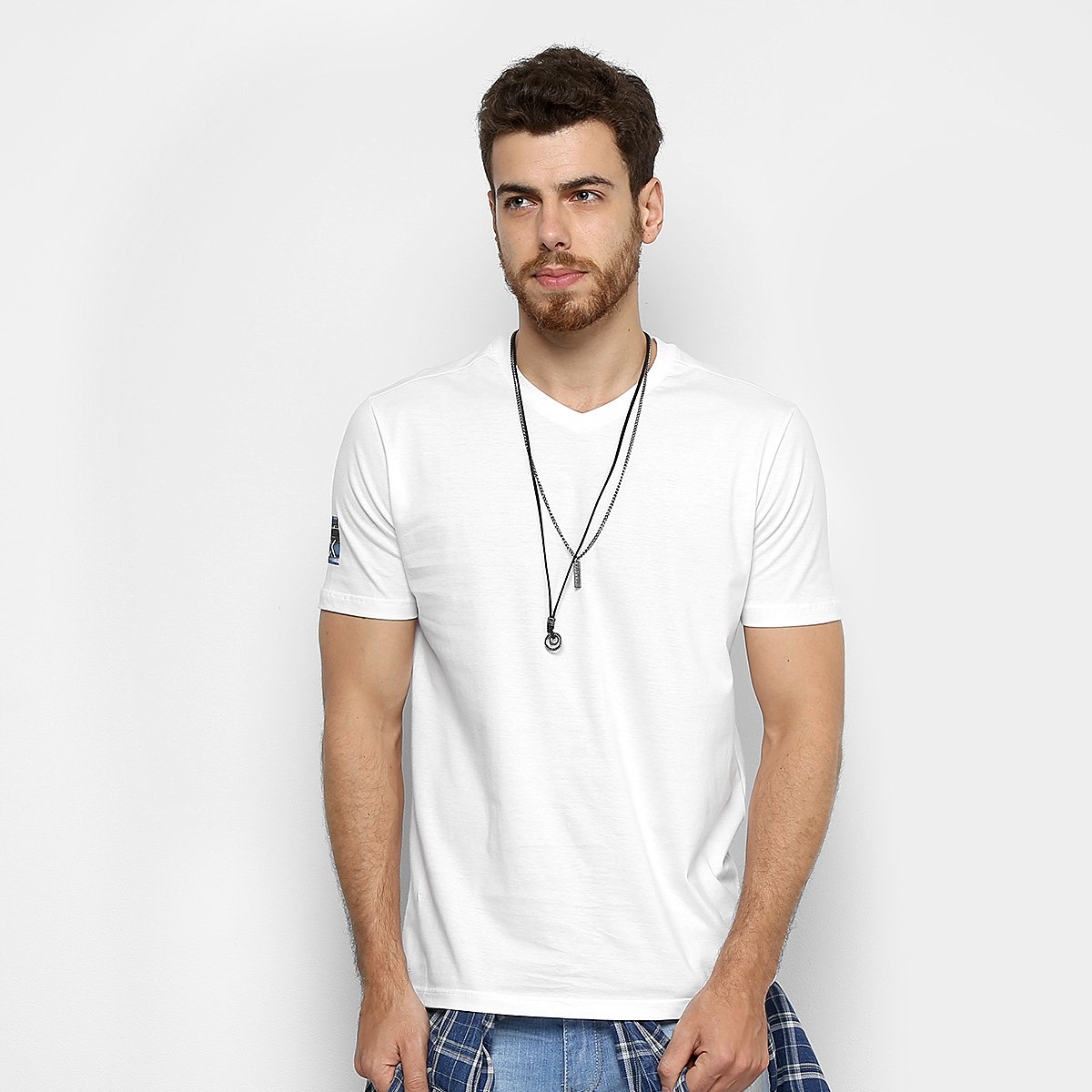 f4aef4bed5091 Camiseta Slim Calvin Klein Estampada Fita Masculina - Compre Agora ...