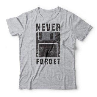 Camiseta Studio Geek Never Forget
