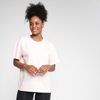 Camiseta Under Armour Tape Girlfriend Crew Feminina