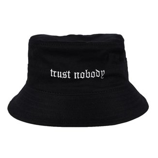 Chapéu Bucket Skull Clothing Trust Nobody