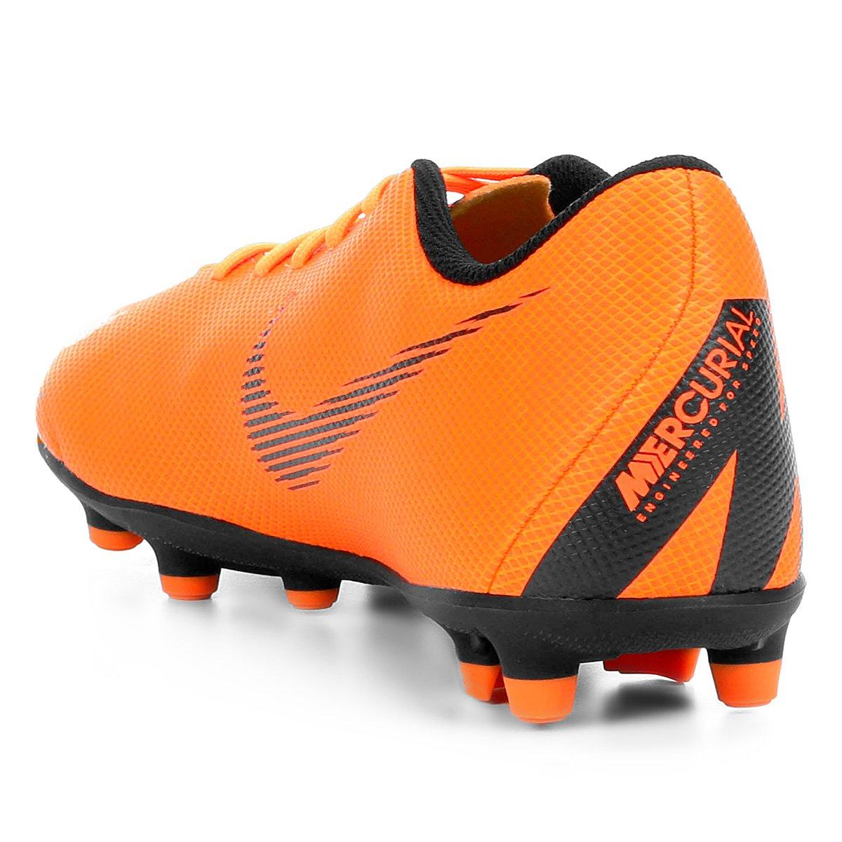 Chuteira Campo Nike Mercurial Vapor 12 Club - Laranja e Preto ... dbe577a91bea8