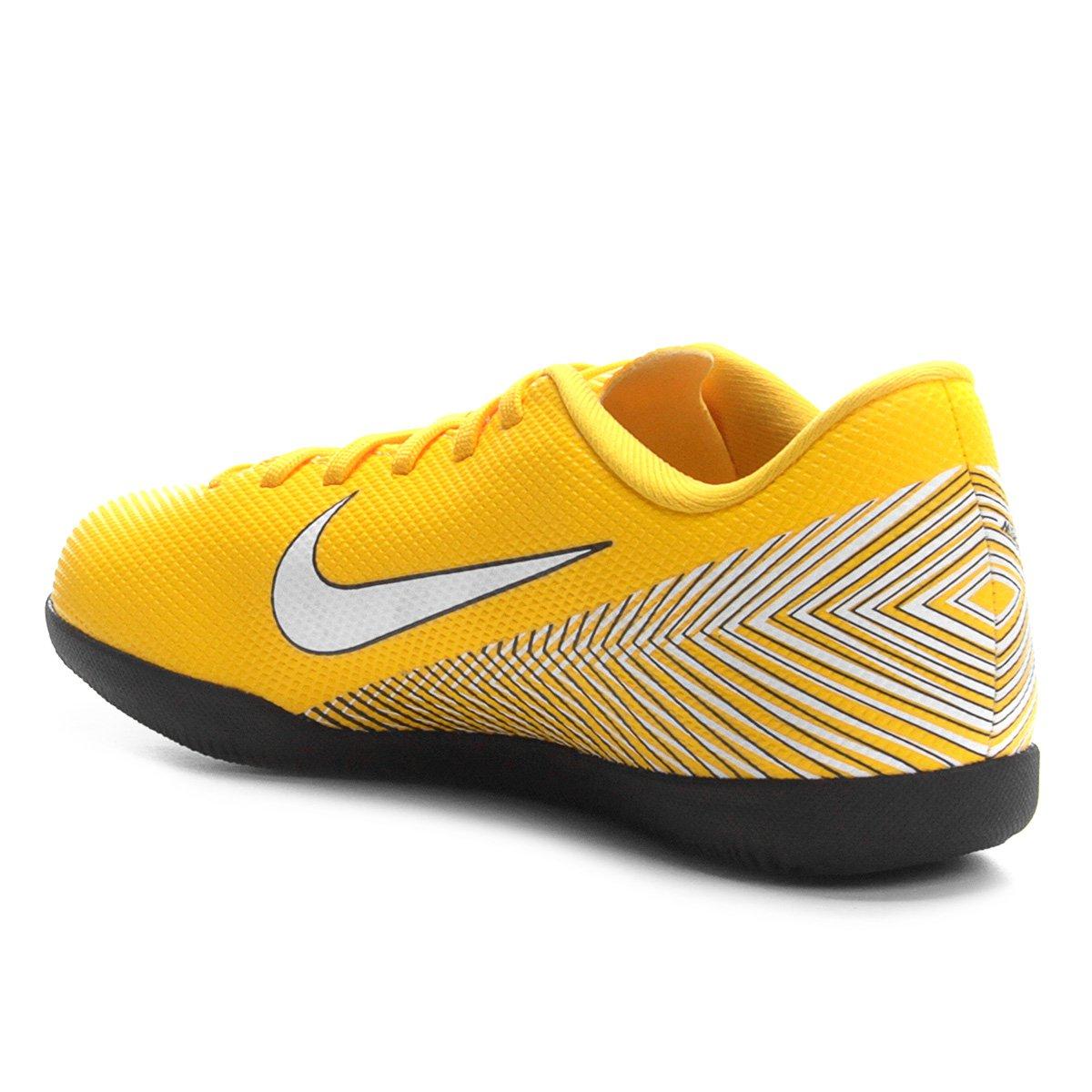 a910fb3ad8 ... Chuteira Futsal Infantil Nike Mercurial Vapor 12 Club GS Neymar IC ...