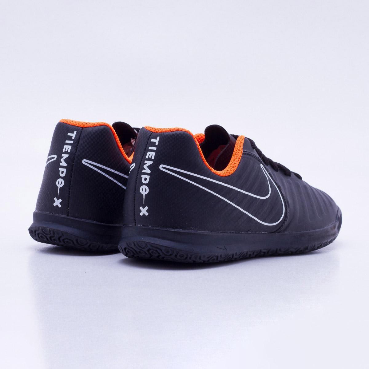 cda629253d Chuteira Futsal Infantil Nike Tiempo Legend 7 Club IC - Preto e ...