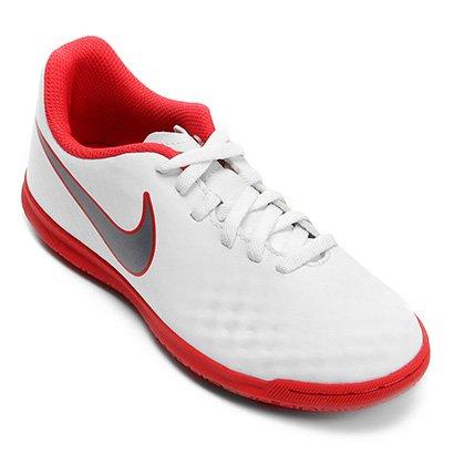 A Chuteira Nike MagistaX Obra 2 Club permite um toque preciso com ajuste  confortável para o 67a88e65f50db