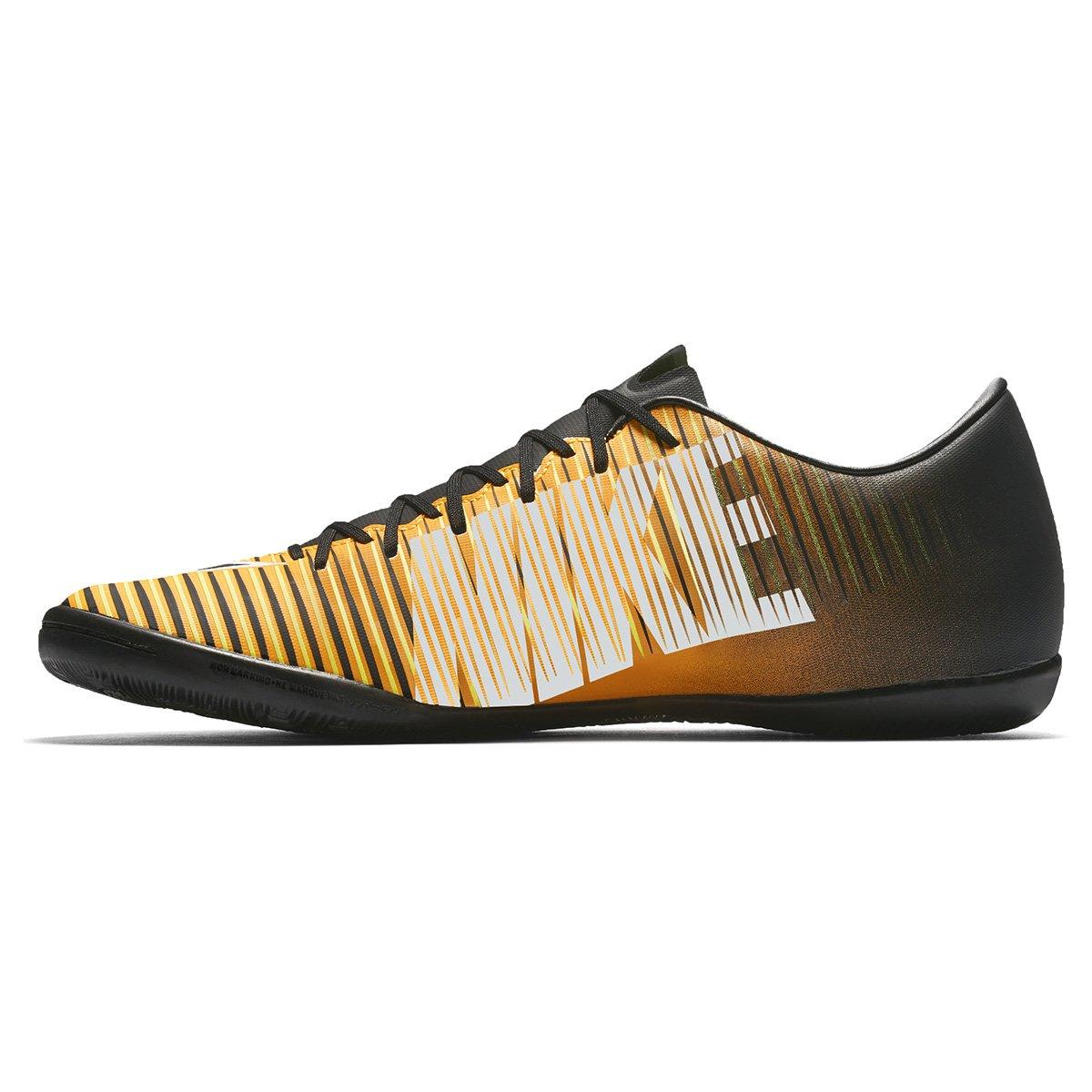 23db3b81e5 Chuteira Futsal Nike Mercurial Victory 6 IC - Preto e Laranja ...