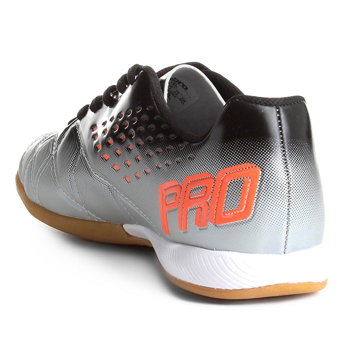 845e0a340c Chuteira Futsal Umbro Fifty Pro - Cinza e Preto - Compre Agora ...