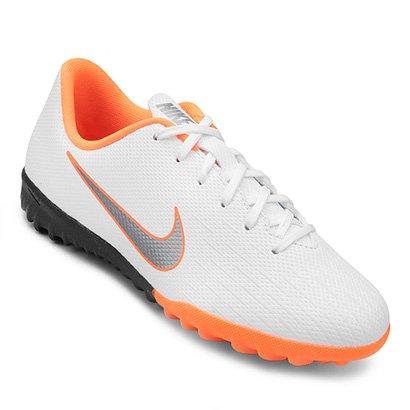 03b23efa58ad7 A Chuteira Society Infantil Nike Mercurial Vapor 12 Academy GS TF TF é  super leve e