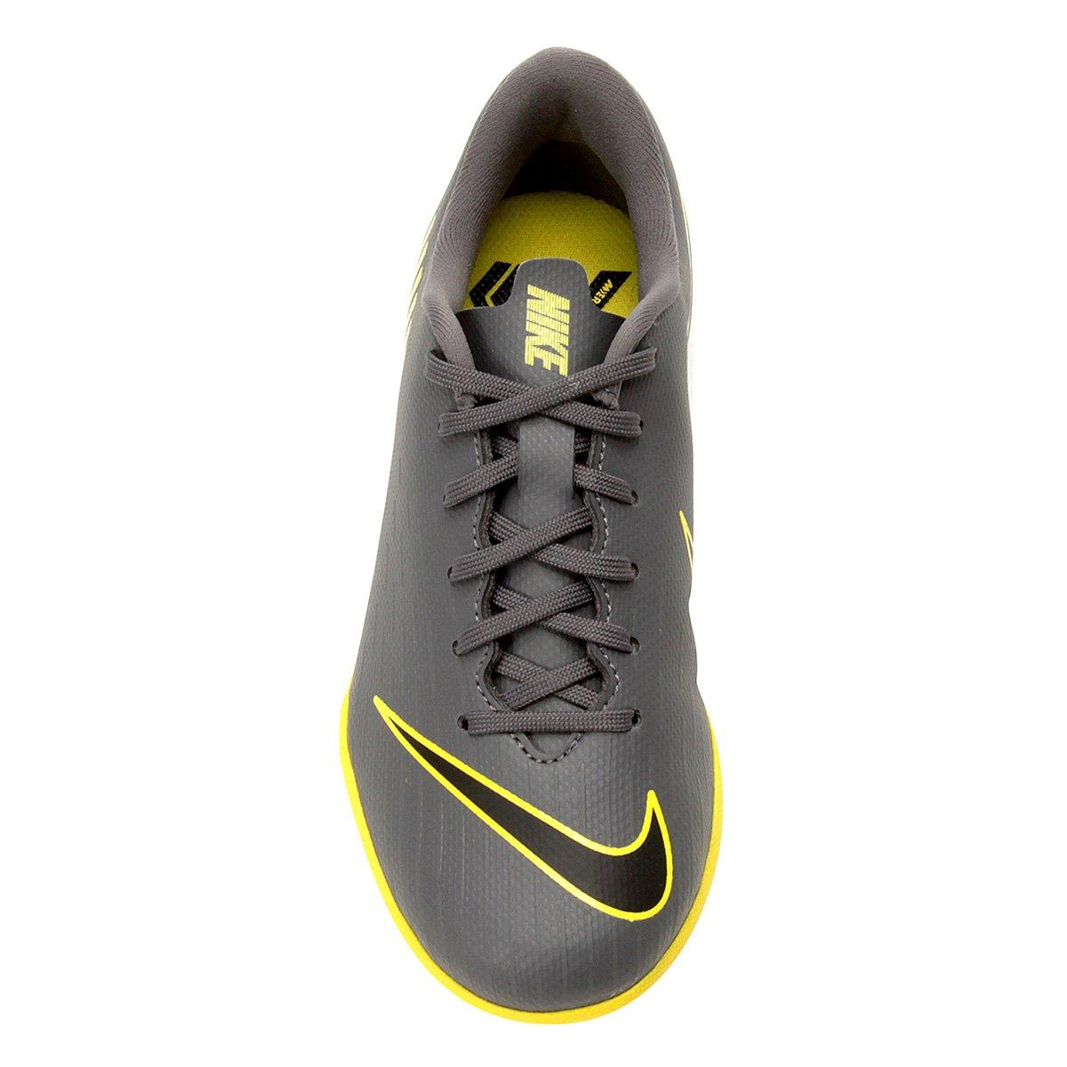 f6e5b3e464 Chuteira Society Infantil Nike Vapor 12 Academy Gs TF - Cinza e ...