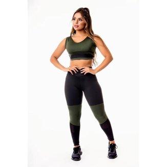 Conjunto Fitness Feminino Calça Legging Preta com Verde Militar Cintura Alta e Cropped Regata com De