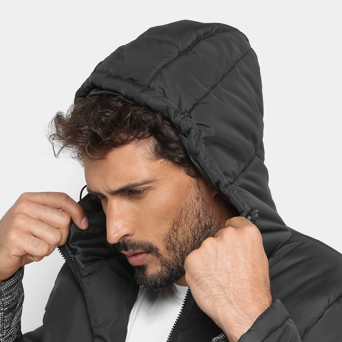 Jaqueta Gonew Nylon Estampada Capuz Masculina - Preto - Compre Agora ... 9a29f87f1a723