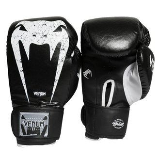 Luva Boxe Muay Thai Giant Brasil 3.0 Series 14Oz Venum