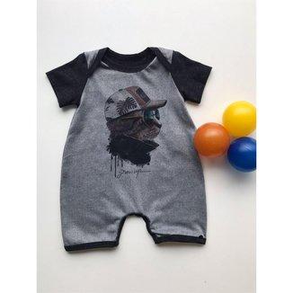 Macacão Bebê Grow Up Curto Estampa Frontal Centralizada cor Cinza