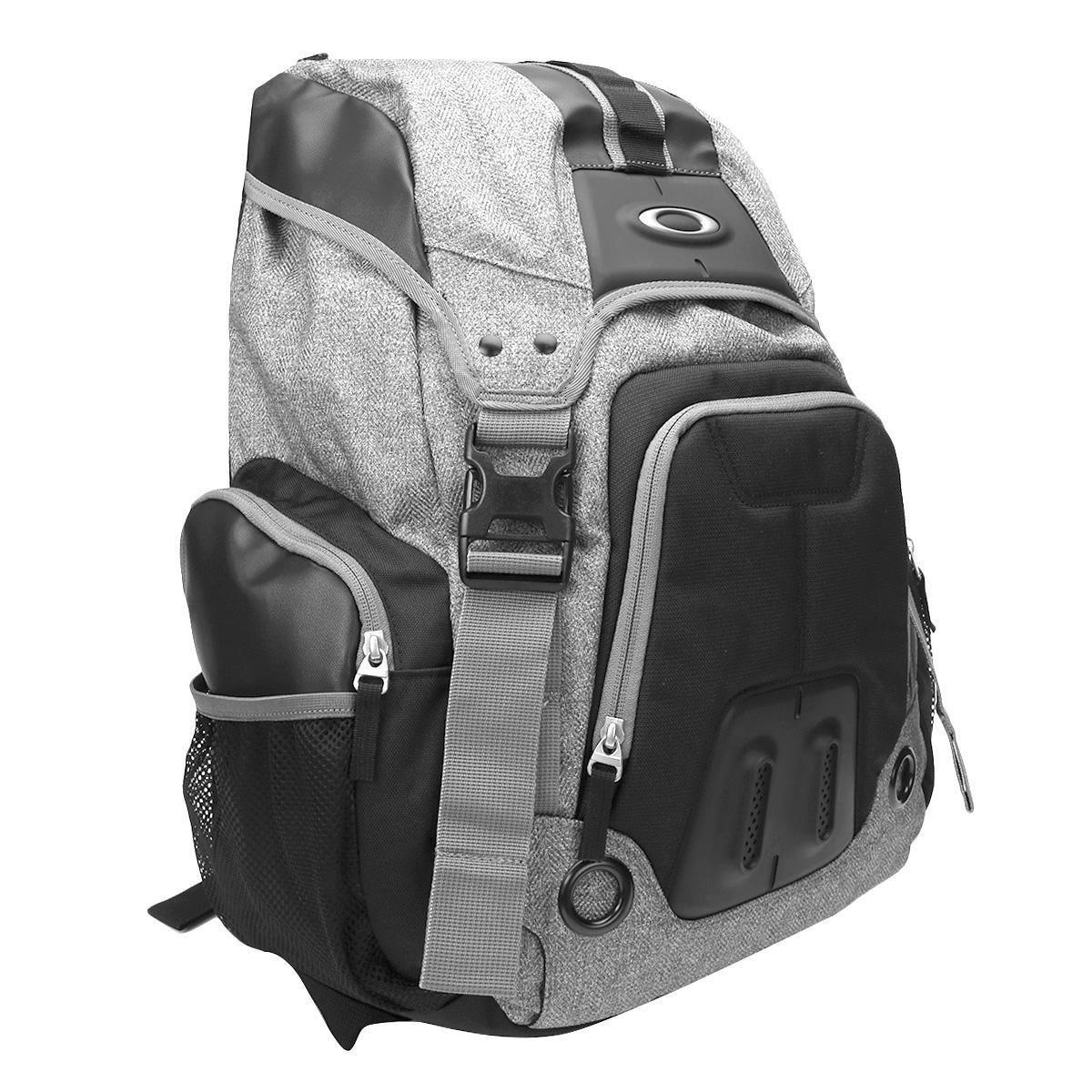 Mochila Oakley Gearbox LX Plus - Compre Agora  fc64fc08e06