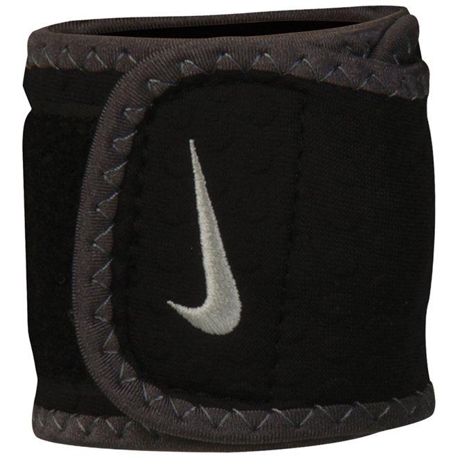 Munhequeira Wrist Wrap Nike - Compre Agora  8e8c4e326fa