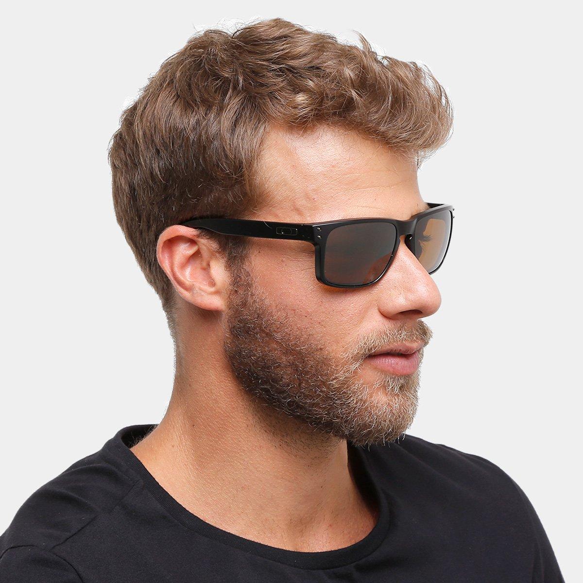 Óculos de Sol Oakley Holbrook Masculino - Marrom e Preto - Compre ... 52e37d86fb