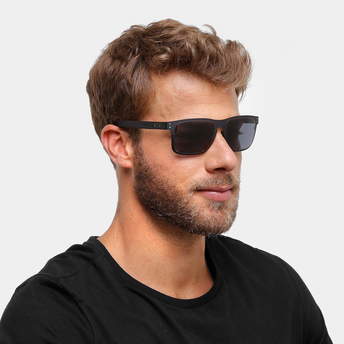 Óculos de Sol Oakley Holbrook Metal Masculino - Cinza - Compre Agora ... 1a0ecc93df