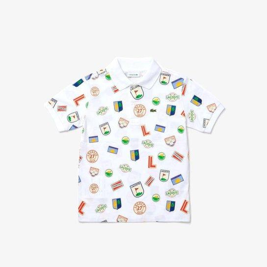 Polo infantil Lacoste em piqué de algodão com emblemas estampados - Branco