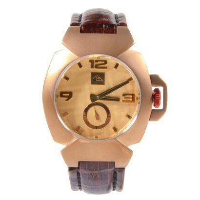 844d9f04517 O Relógio Quiksilver Foxhound Leather Cooper Dourado é ideal para compor  aquele look mais elegante.