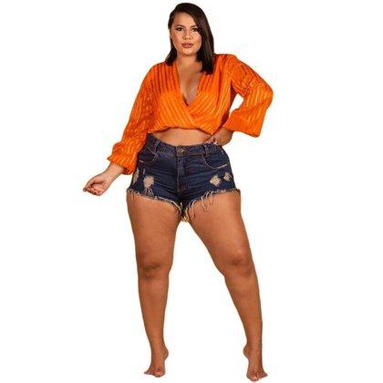 Short Jeans Feminino Plus Size Barra Desfiada Com Destroyed