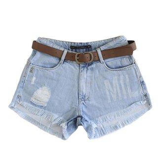 Short Miller Jeans Feminino Com Barra Desfiada Modela Bumbum
