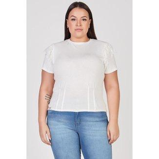 T-shirt com Renda em Babado Elegance