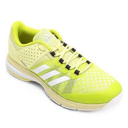 42a4151c17cc8 Invista na sua performance com o Tênis Adidas Court Stabil Feminino.  Indicado para velocidade