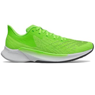 Tênis New Balance FuelCell Prism Masculino - Verde 43