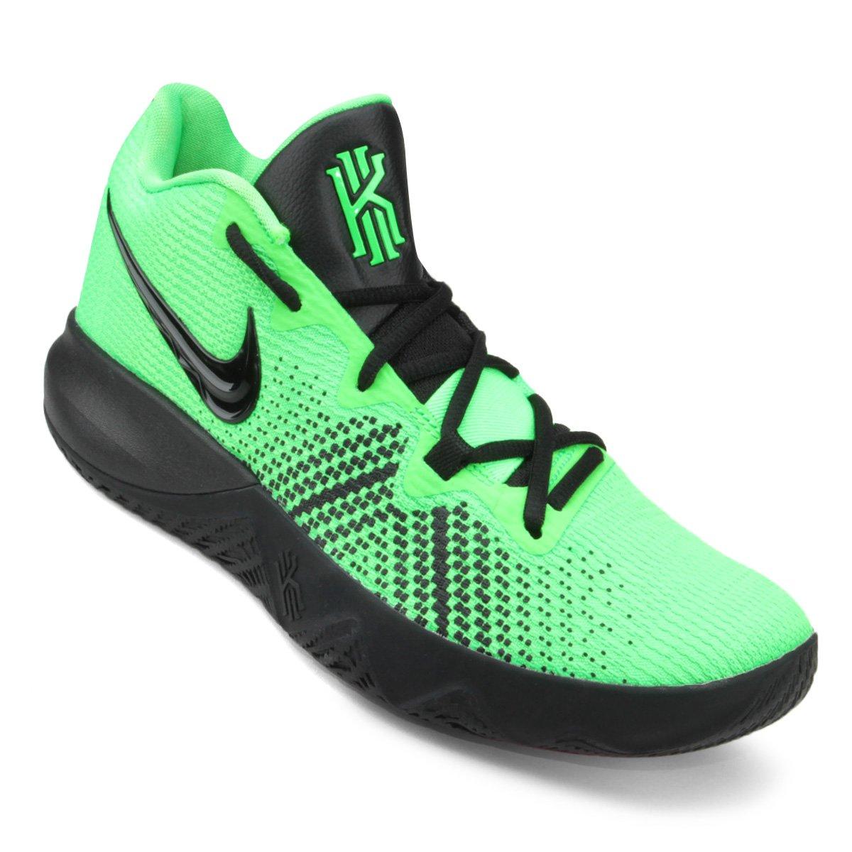 80d7387e01f Tênis Nike Kyrie Flytrap Masculino - Verde e Preto - Compre Agora ...
