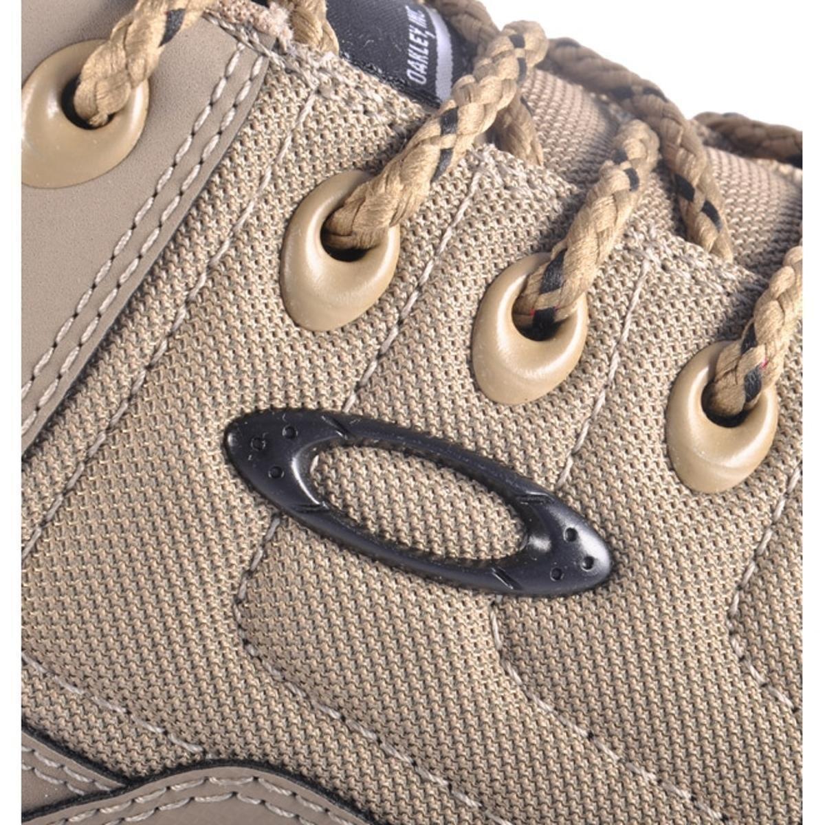 Tênis Oakley Halftrack Low - Bege - Compre Agora   Netshoes 25ffea4ec8
